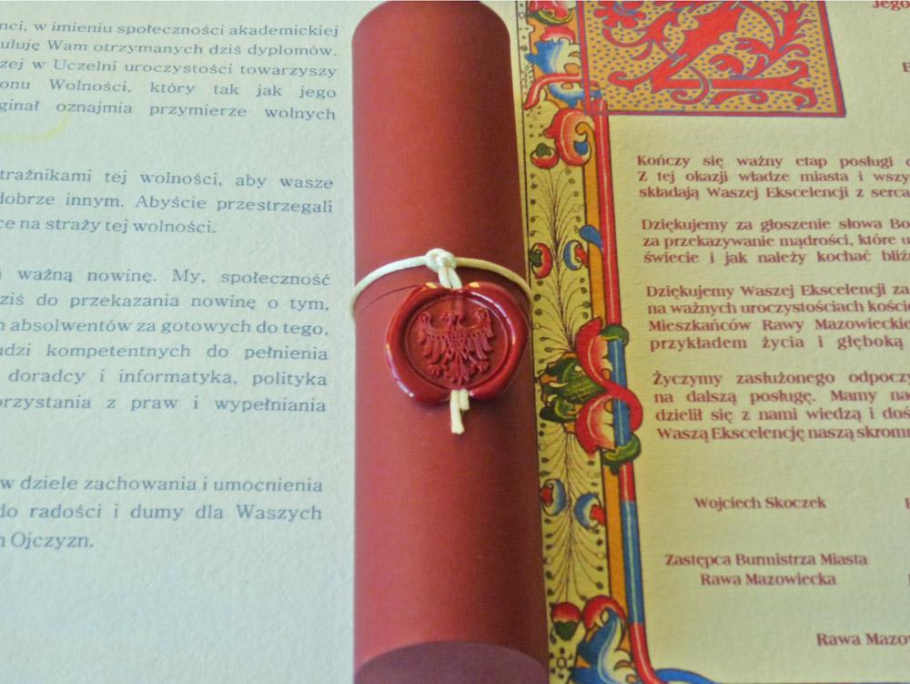 Dyplomy na papierze ręcznie czerpanym